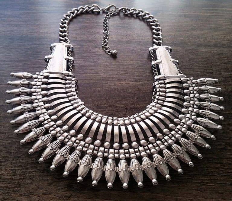Canela de Plata Nepal Style Statement Necklace Accessory