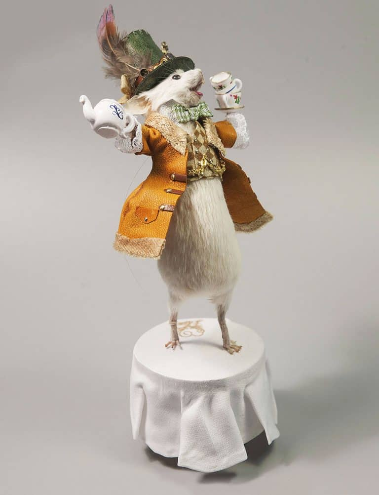 Le Heart Mad Hatter Taxidermy Mouse Decorations.jpg
