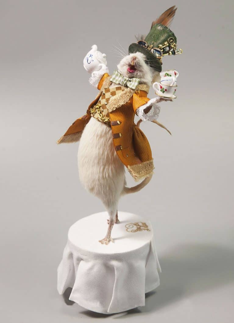 Le Heart Mad Hatter Taxidermy Mouse Preserved