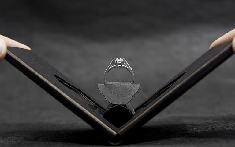 Clifton Slim Engagement Ring Case Wedding
