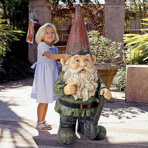 Design Toscano The Gigantic Garden Gnome Statue Hand Cast