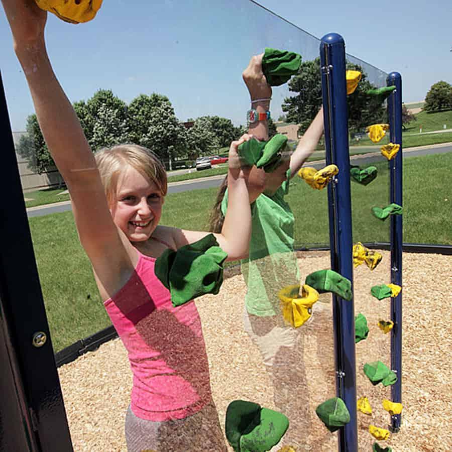 Everlast Climbing Clear Playground Wall
