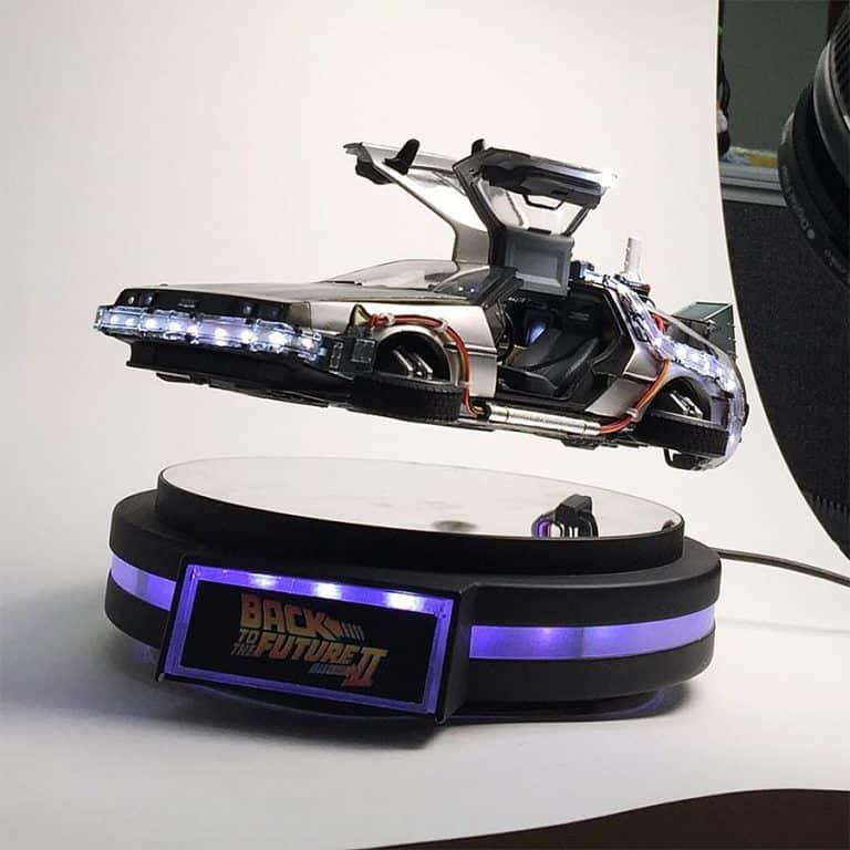 Kids Logic 120 Magnetic Floating DeLorean Time Machine Light Up Function