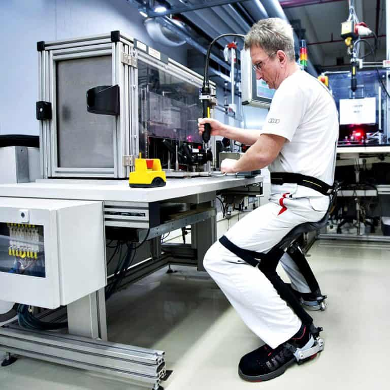 Noonee Chairless Chair Ergonomic Device