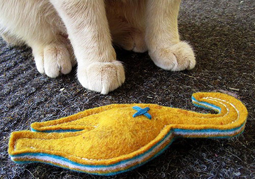 2-forks-design-nip-in-the-butt-catnip-toy-fiberfill-stuffed
