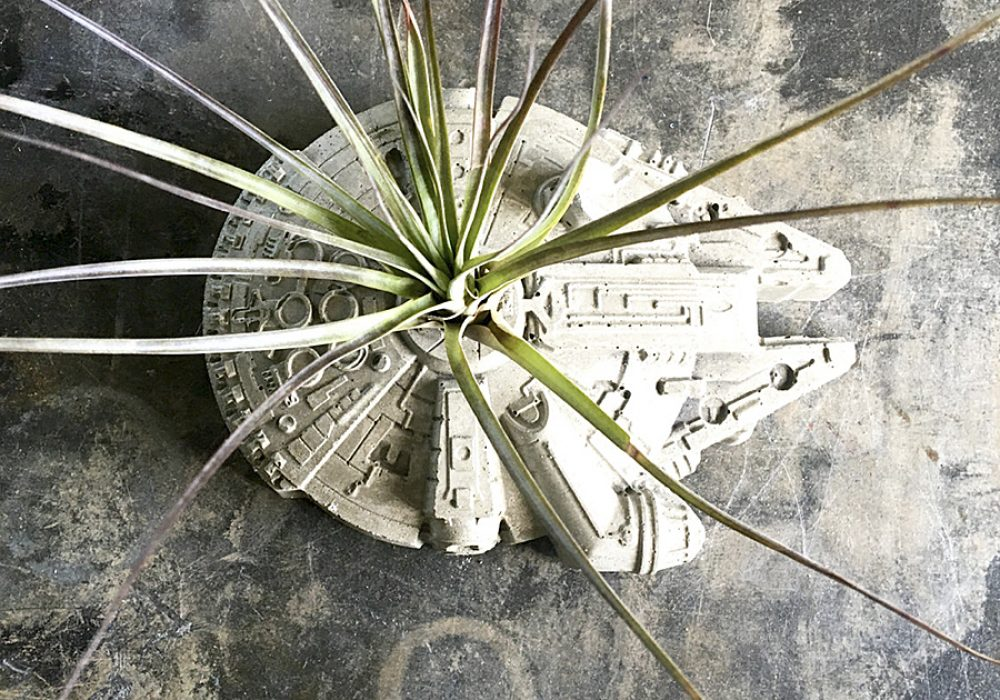 Anson Design Star Wars Millennium Falcon Concrete Planter Gardening