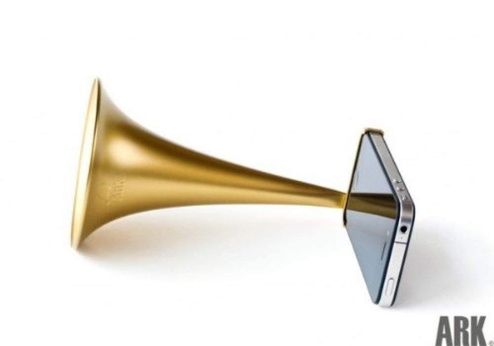 Arkcanary II Analogue Speaker for iPhone Gold Weird iPhone Accessory to Buy Bugle Horn