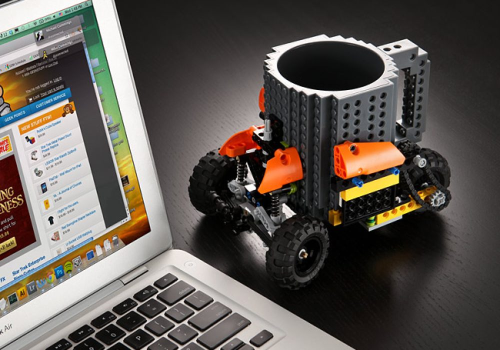 Build-On Brick Mug Custom Design with Wheels