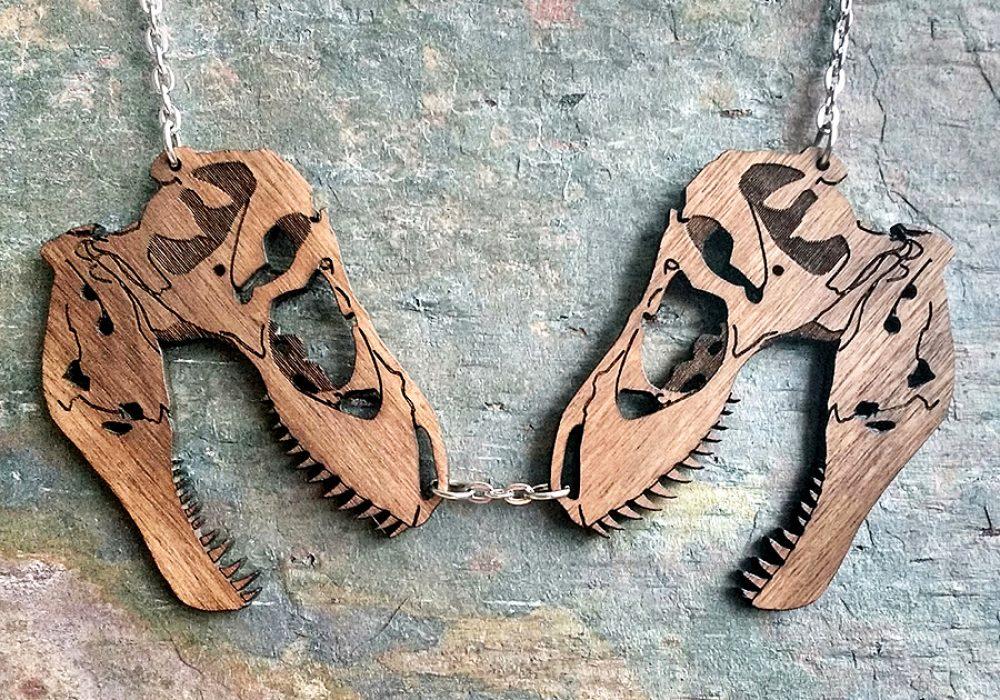 chimeric-garnish-t-rex-dinosaur-skull-necklace-engraved-in-mahogany