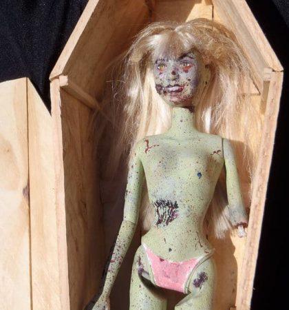 Coffin Dwelling Undead Doll