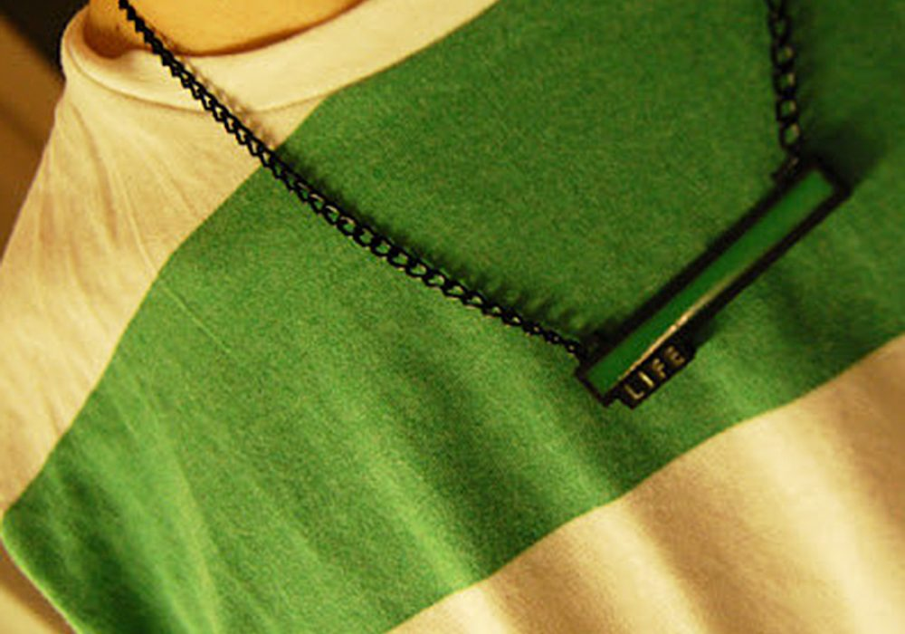 critical-hit-shop-glowing-life-bar-necklace-glow-in-the-dark