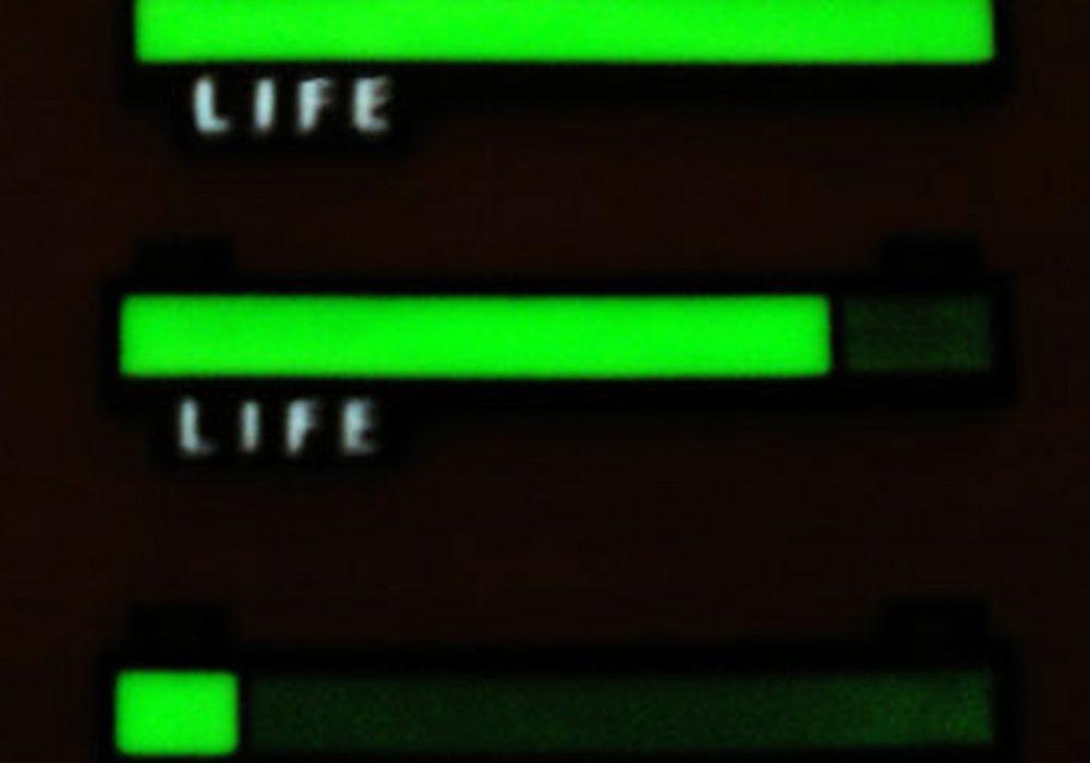 critical-hit-shop-glowing-life-bar-necklace-zelda