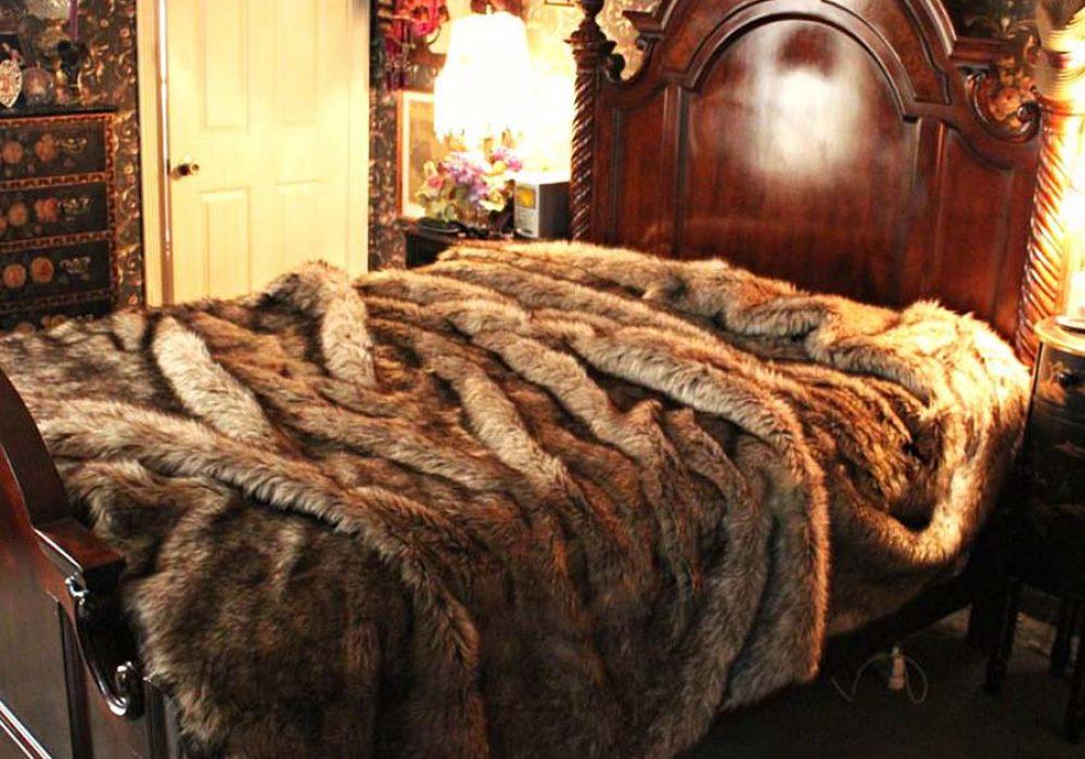 fur-accents-plush-luxury-faux-fur-bedding-premium-bedspread