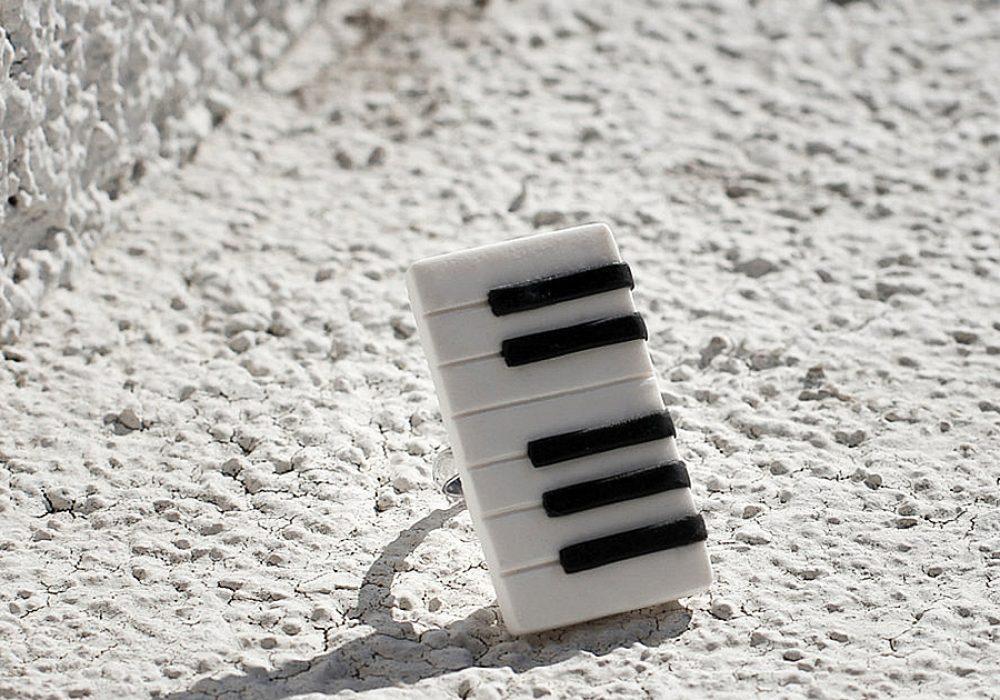 gitas-jewelry-piano-ring-keyboard-ring