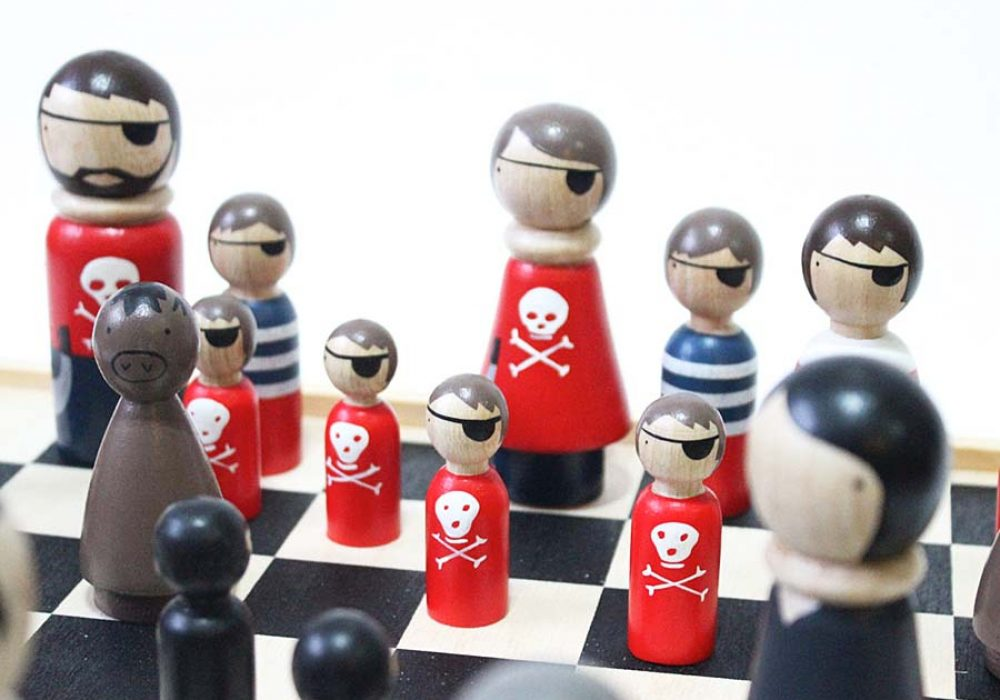 goosegrease-pirates-vs-ninjas-wooden-chess-set-board-game
