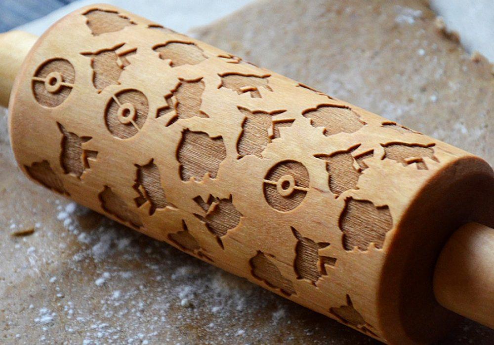 happy-rolling-pin-pokemon-pikachu-wooden-rolling-pin-made-of-birch-wood
