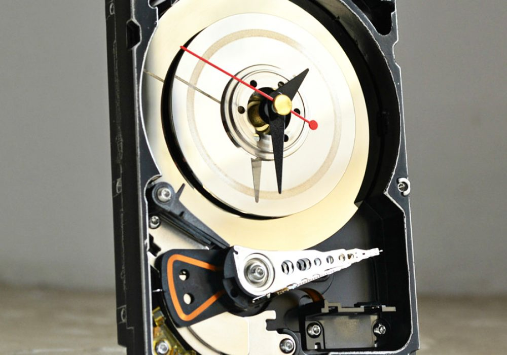 Hard Resols Hard Drive Clock Awesome things to have at home