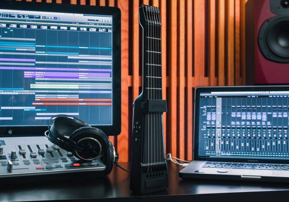 Jamstik SmartGuitar MIDI for IOS