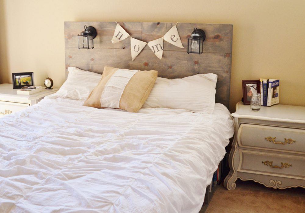 Knots and Biscuits Olivos Platform Bed with Headboard and Bookshelf Cool Nightlights