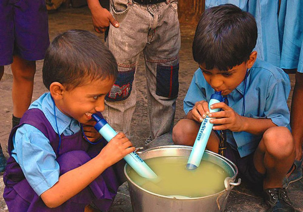 Lifestraw-Portable-Water-Filter-Drink-Any-Kind-of-Water