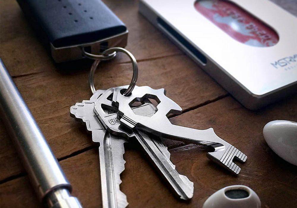 MSTRMND Collective MSTR KEY 20-in-1 Key-Size Multi-Tool Keychain