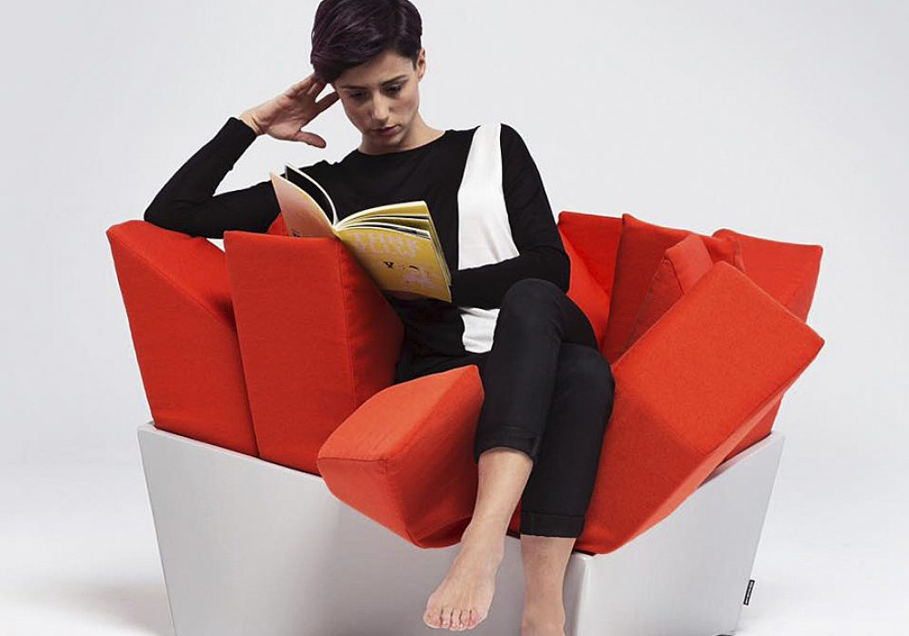 Manet Easy Chair Innovative Product