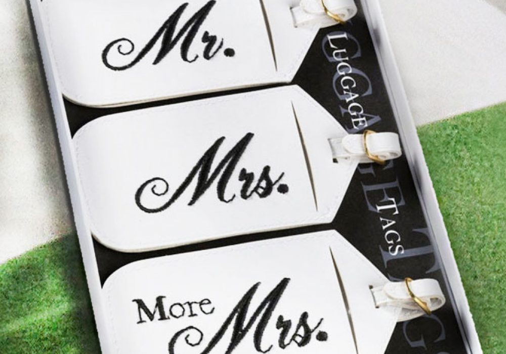 Mr.-And-Mrs.-Luggage-Tags-Buy-Funny-Wedding-Gift-Novelty