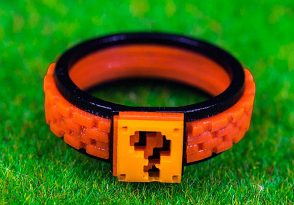 nastalgame-mario-box-acrylic-ring-8-bit-design