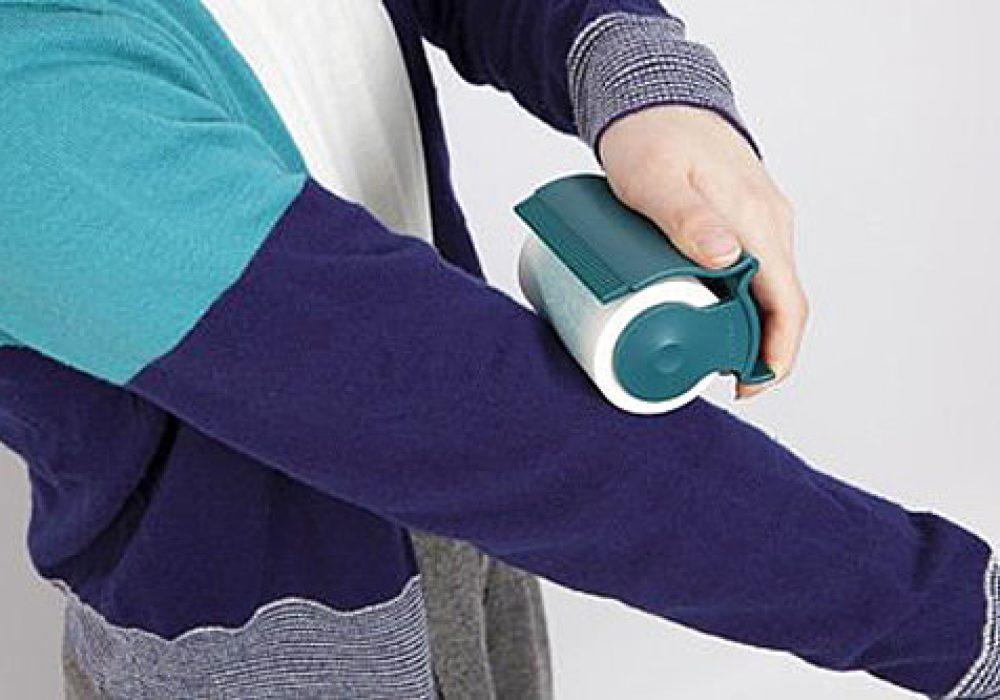 Oppo Groomo Cat Brush Clean Wool Sweater