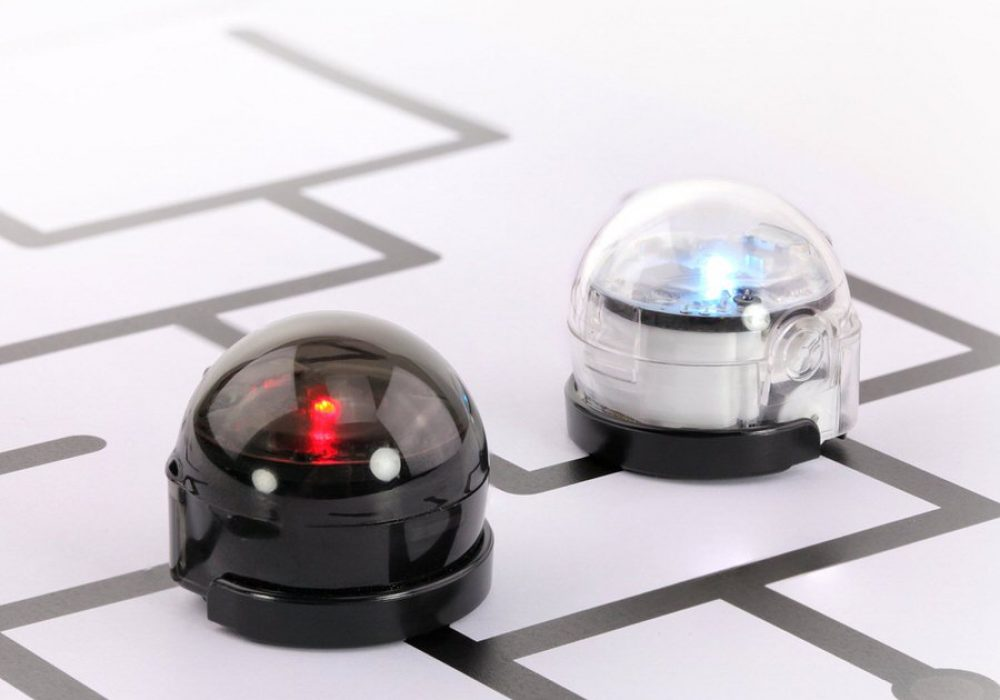 Ozobot 2 Bit Pro Series Cool Gift to Buy for Kids