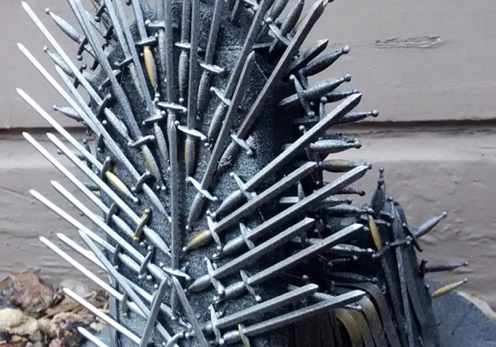 Pay The Iron Price Iron Throne Phone Holder Cool Mobile Stand