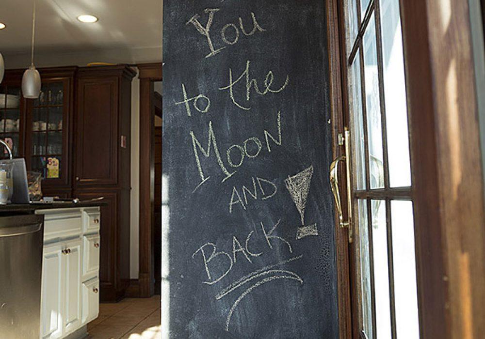 Rust-Oleum Chalkboard Brush-On Living Room Idea