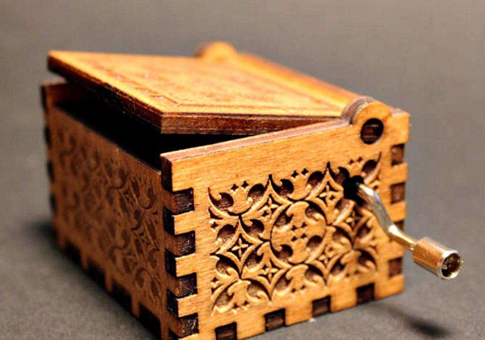 Soundbarrel Game of Thrones Engraved Wooden Music Box Novelty Item