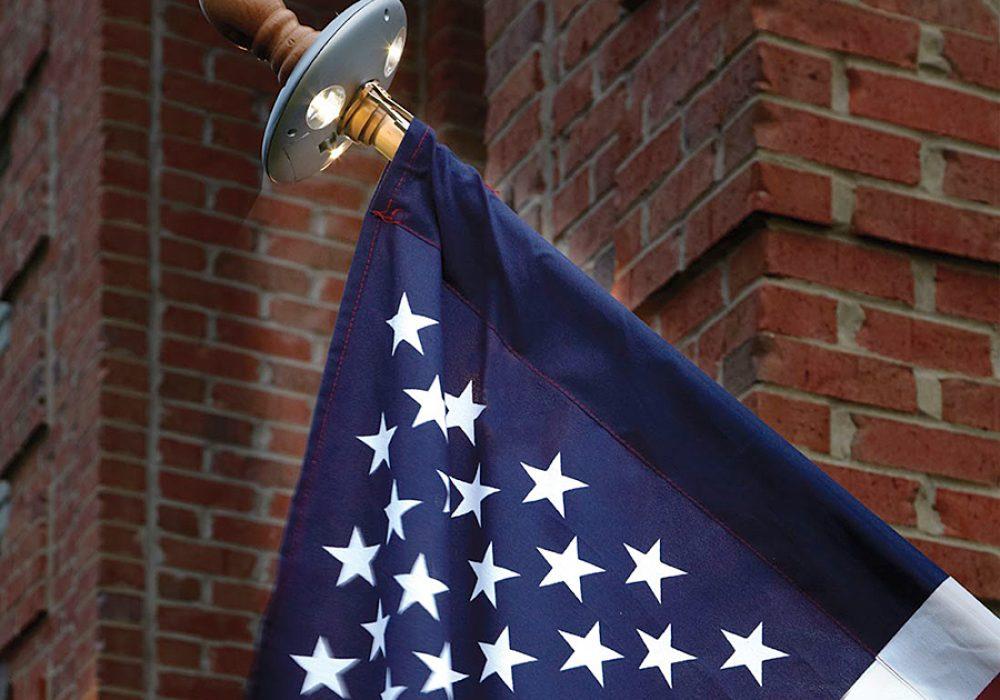 Sporty's Solar Residential Flagpole Light Solar Powered