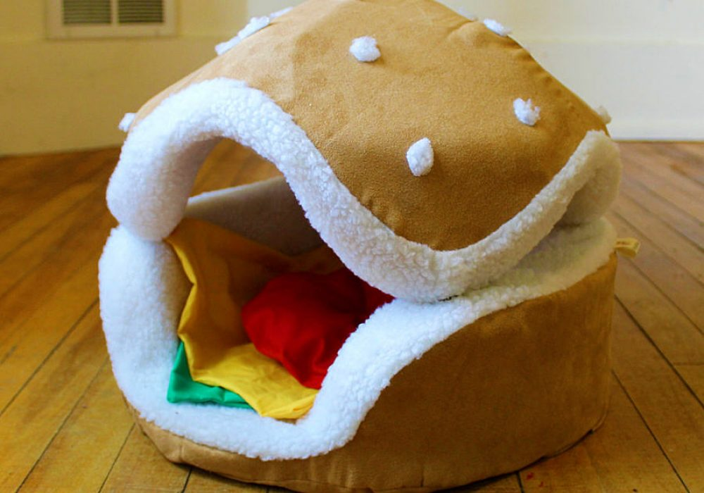 The Cats Paw Botique Hamburger Cat and Small Dog Bed Cool Novelty to Buy