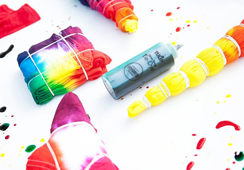 Tulip One Step 18-Color Tie-Dye Kit Nontoxic