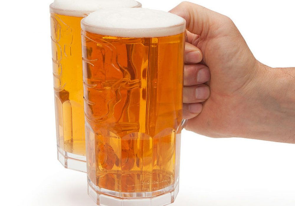 Two-Fisted-Drinker-Hand_grande