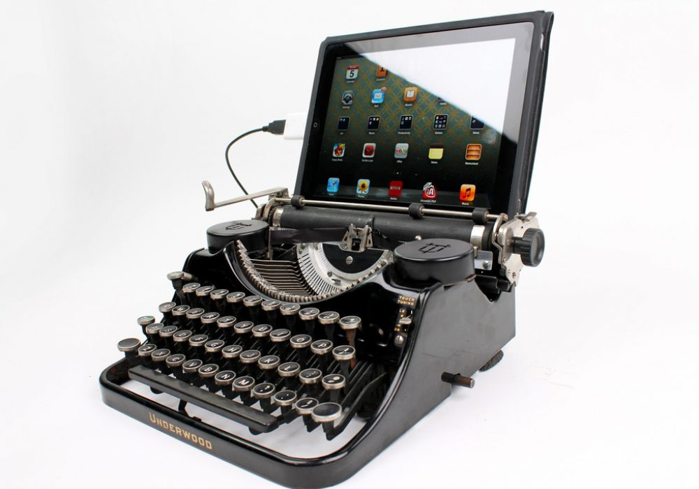 USB Typewriter Black Underwood Ipad