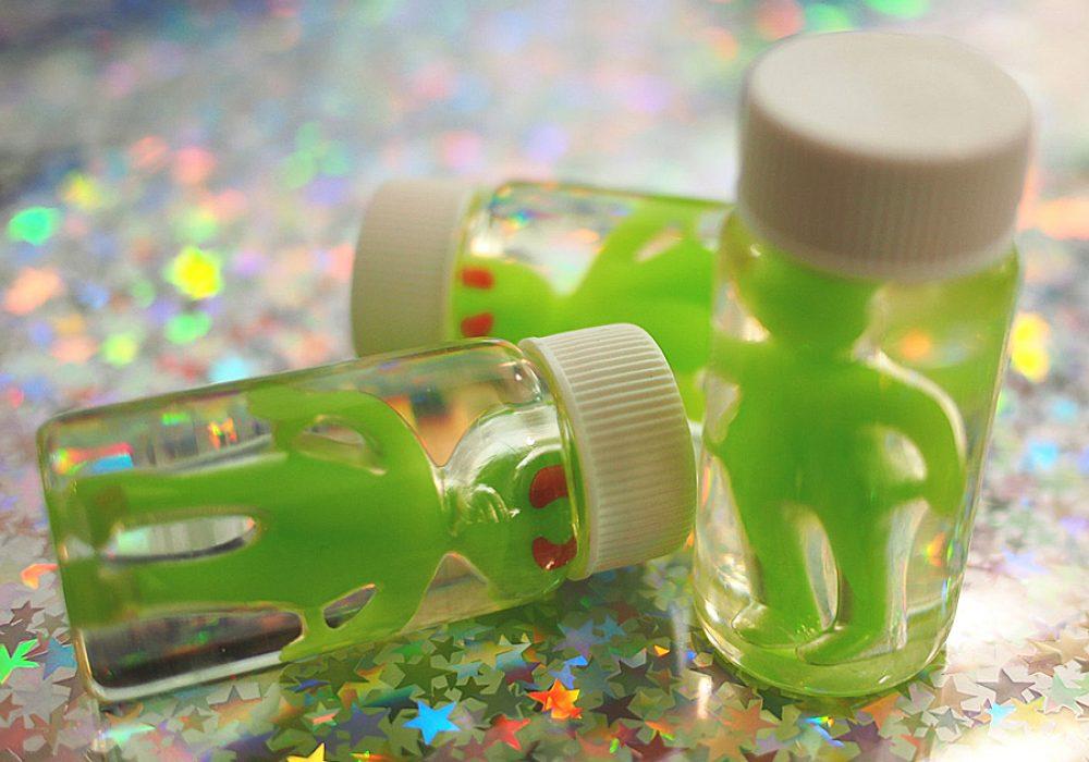 Vintage Loser Glow in the Dark Alien Specimen in a Bottle Nice Decor