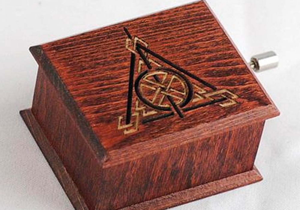 Woodissimo Harry Potter Deathly Hallows Music Box Wood