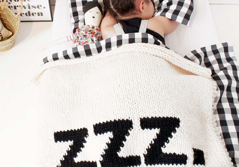 Yarning Made ZZZ Baby Blanket Good Present for your Kids