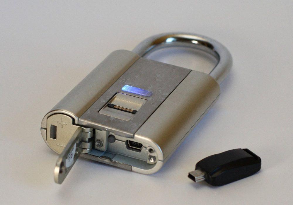 iFingerLock Fingerprint Biometric Padlock Digital Security